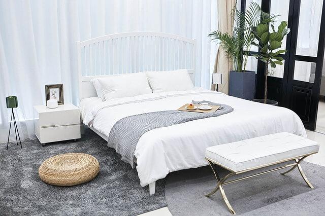 Кровать при сдаче квартиры в аренду